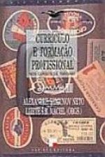 CURRICULO E FORMACAO PROFISSIONAL NOS CURSOS DE TURISMO